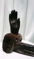 Lamb leather gloves with dyed chinchilla  - Item # AC0137